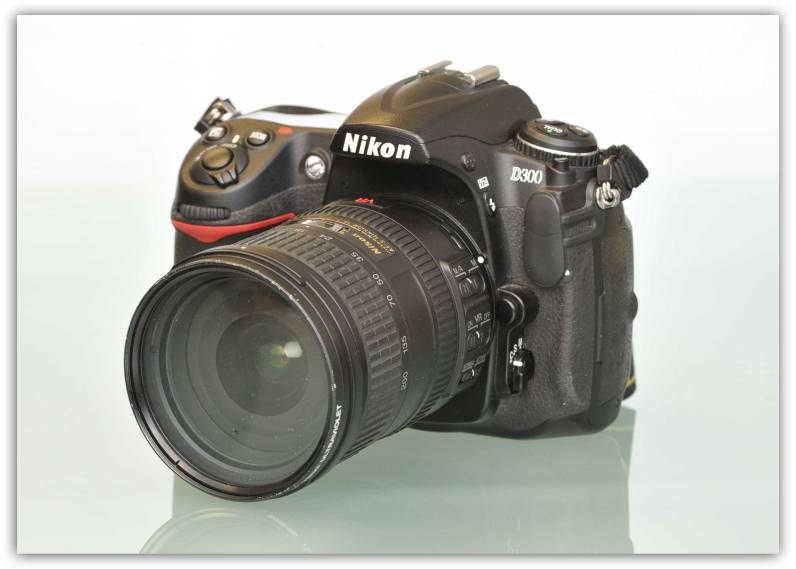 Nikon D300 with NIkkor 18-200mm f3.5-5.6G VR